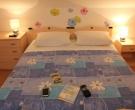 apartmaji-irena-otok-krk-spalnica-2